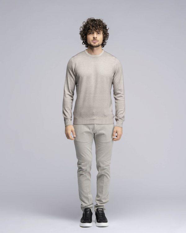 Maglia girocollo in pura lana